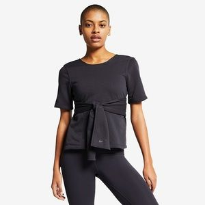 Nike | Short Sleeve Yoga Training Top in Black